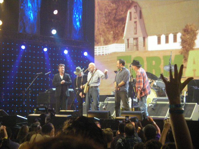 (L TO R) John Mellencamp, Willie Nelson, Pete Seeger, Dave Matthews, Neil Young